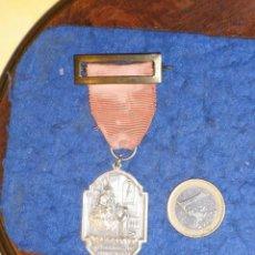 Militaria: ANTIGUA MEDALLA O INSIGNIA COLEGIO S.JOSE H.H MARISTAS.MARCELINO CHAMPAGNAT. Lote 221151817