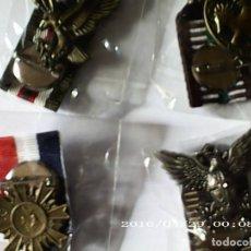 Militaria: MEDALLAS CON GAFETE , 4 DISTINTAS (REPRODUCCIONES DE 30 A 45 M/M ). Lote 222534016