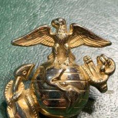 Militaria: INSIGNIA DE GORRA MARINA USA. Lote 224389927