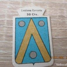 Militaria: AUXILIO SOCIAL EMBLEMA 30 CTS. SERIE B. Nº 194. MARONIO. (CATALOGADO). Lote 234339675