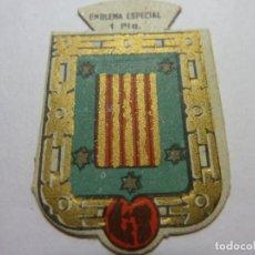 Militaria: AUXILIO SOCIAL.EMBLEMA ESPECIAL 1 PTA. SERIE B Nº 247 BAÑALBUFAR. Lote 236066280