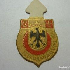 Militaria: AUXILIO SOCIAL.EMBLEMA ESPECIAL 30 CTMOS.. SERIE B Nº 1 ESCUDO DEL REINO DE SICILIA. Lote 236168430