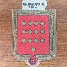 Militaria: EMBLEMA AUXILIO SOCIAL, ESPECIAL 1 PTS, SERIE C, Nº 8, PEDRO RUIZ. Lote 236533065