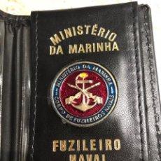 Militaria: PLACA CON SU FUNDA , MINISTERIO DE LA MARINA FUZILEIRO NAVAL. Lote 236601510