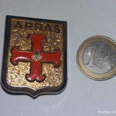 Militaria: INSIGNIA MILITAR METALICA DE AGUJA, ARRAS, EJERCITO FRANCIA.. Lote 237846350