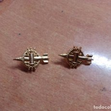 Militaria: DOS PINES EJERCITO TIERRA -- MISILES. Lote 238424980