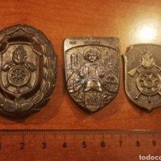Militaria: LOTE 3 INSIGNIAS/PLACAS CUERPO BOMBEROS DE ALEMANIA. Lote 242405555