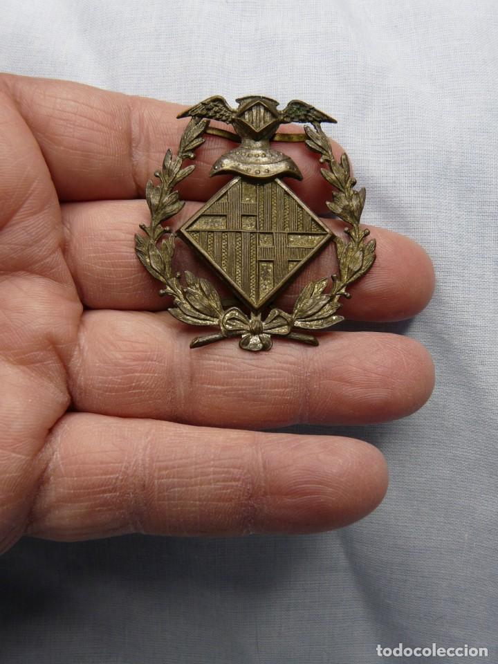 ANTIGUO EMBLEMA POLICIA BARCELONA (Militar - Insignias Militares Españolas y Pins)