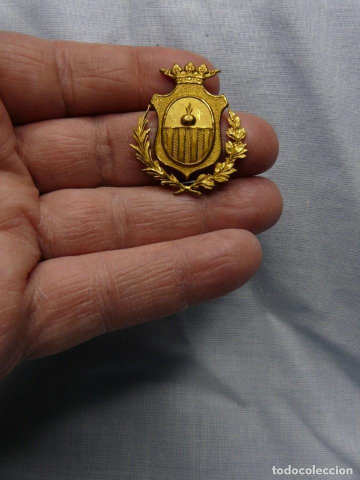 ANTIGUO EMBLEMA POLICIA DE SABADELL (Militar - Insignias Militares Españolas y Pins)
