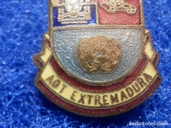 Militaria: Pin Insignia Militar - División Acorazada - AGT Extremadura - 32 x 22 mm - Foto 3 - 244779645