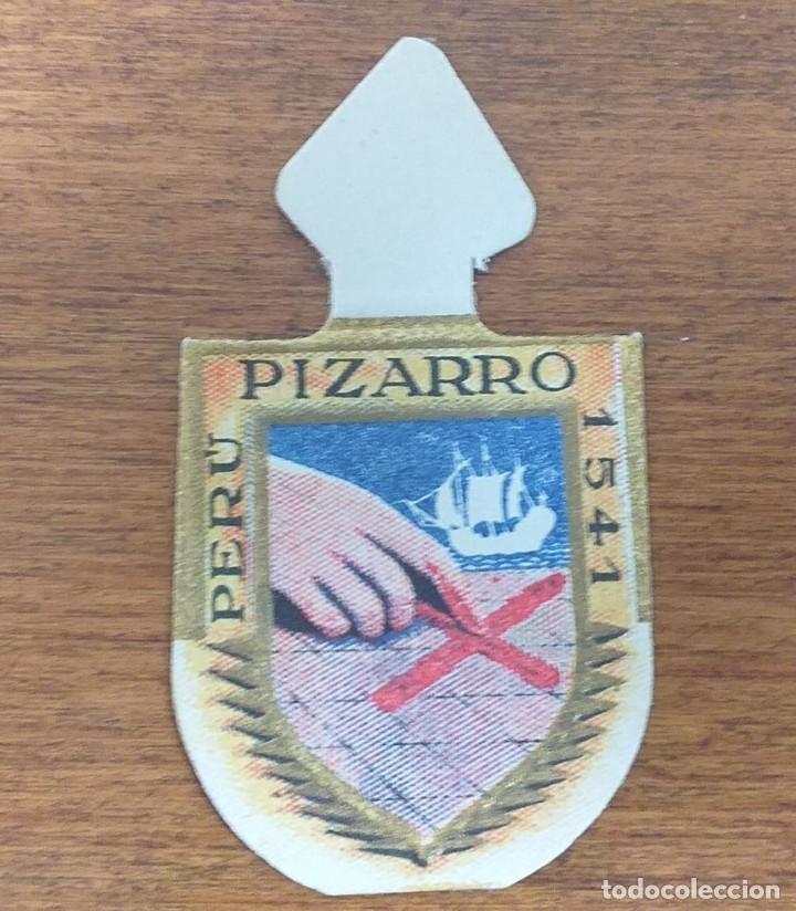 EMBLEMA AUXILIO SOCIAL, SERIE B, Nº 5, PIZARRO (Militar - Insignias Militares Españolas y Pins)