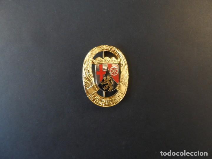 Militaria: INSIGNIA 35 AÑOS DE SERVICIO CUERPO DE BOMBEROS. RHEINLAND-PFALZ. RENANIA PALATINADO. DEUTCHLAND - Foto 2 - 246700600