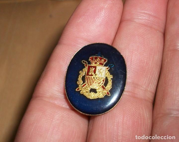 PIN ESMALTADO CAJA REAL JUAN CARLOS (Militar - Insignias Militares Españolas y Pins)