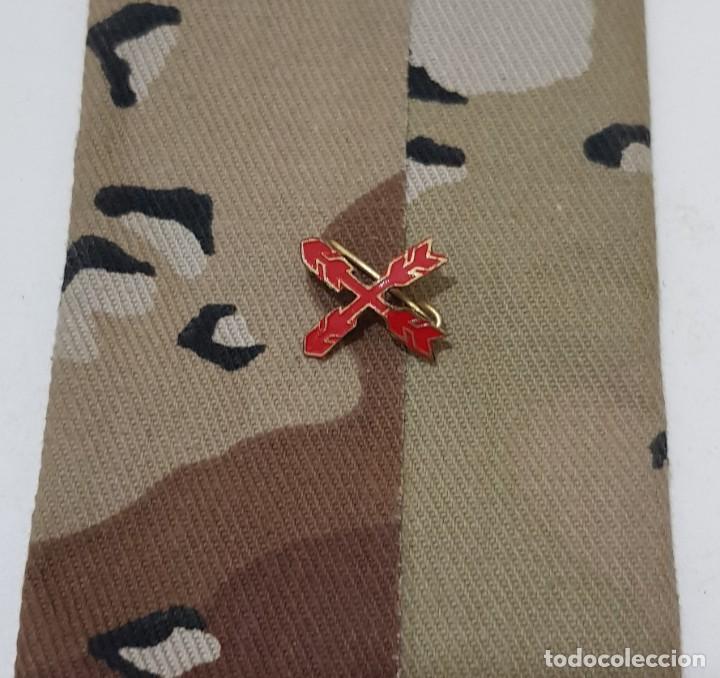 INSIGNIA DE SOLAPA CRUZ DE SAN ANDRÉS, REQUETES, CARLISTA (Militar - Insignias Militares Españolas y Pins)