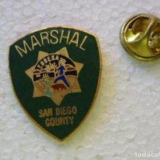 Militaria: PIN POLICIAL. POLICÍA DE ESTADOS UNIDOS. MARSHAL DE SAN DIEGO COUNTY. ESCUDO PLACA. Lote 257334795