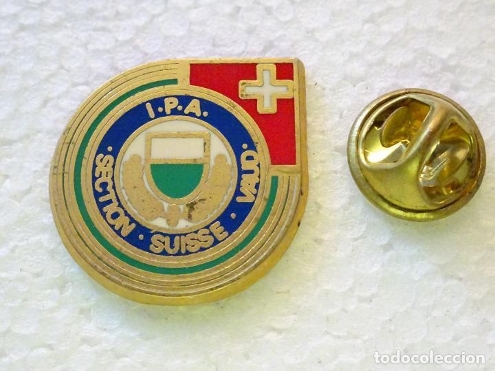 PIN POLICIAL. INTERNATIONAL POLICE ASSOCIATION IPA ASOCIACIÓN INTERNACIONAL POLICÍA SUIZA (Militar - Insignias Militares Internacionales y Pins)