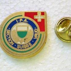 Militaria: PIN POLICIAL. INTERNATIONAL POLICE ASSOCIATION IPA ASOCIACIÓN INTERNACIONAL POLICÍA SUIZA. Lote 257335230