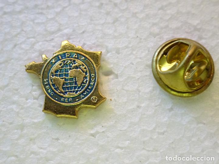 PIN POLICIAL. INTERNATIONAL POLICE ASSOCIATION IPA ASOCIACIÓN INTERNACIONAL POLICÍA. FRANCIA (Militar - Insignias Militares Internacionales y Pins)