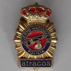 Militaria: INSIGNIA PIN CUERPO NACIONAL DE POLICIA ATRACOS. Lote 259233795