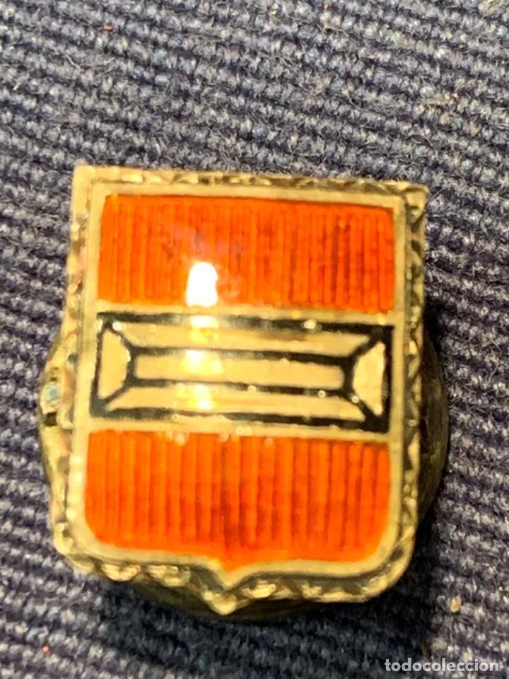Militaria: PIN MILITAR ESMALTE PLATA OJAL ESCUDO MOTIVO GEOMETRICO 13MM - Foto 3 - 263298155