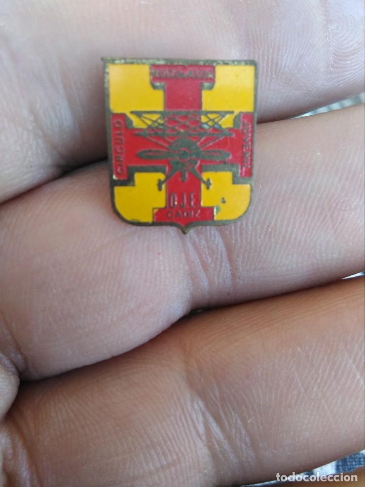 INSIGNIA FALANGE OJE CIRCULO JUVENIL RUIZ DE ALDA CADIZ (Militar - Insignias Militares Españolas y Pins)