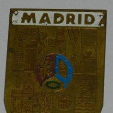 Militaria: CHAPA DE LOS BOYS SCOUTS DE MADRID, SBP, ESCULTISMO, MIDE 6,5 X 4,5 CMS.. Lote 268138544