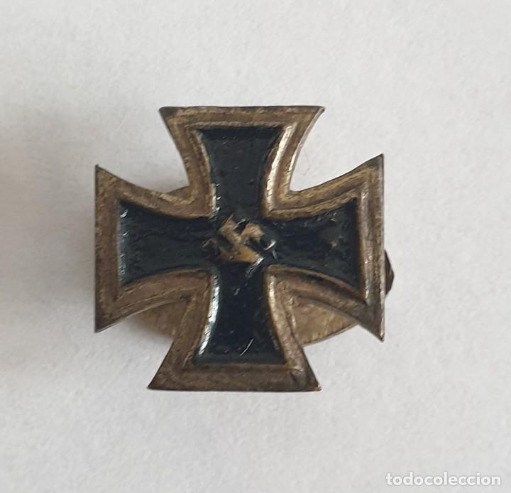 INSIGNIA ALEMANIA WWII TERCER REICH ESVASTICA SS NAZI (Militar - Insignias Militares Internacionales y Pins)