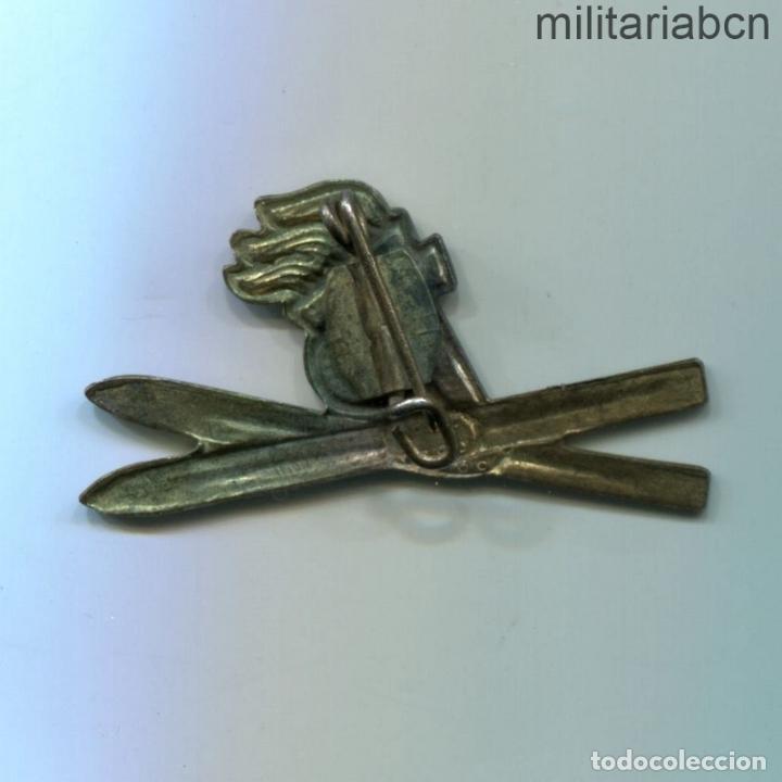 Militaria: DDR República Democrática Alemana. Insignia de Joven Pionero Esquiador JP Jungen Pioniere - Foto 2 - 269362843
