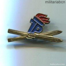 Militaria: DDR REPÚBLICA DEMOCRÁTICA ALEMANA. INSIGNIA DE JOVEN PIONERO ESQUIADOR JP JUNGEN PIONIERE. Lote 269362843