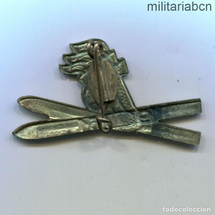 Militaria: DDR República Democrática Alemana. Insignia de Joven Pionero Esquiador JP Jungen Pioniere. 1961 - Foto 2 - 269362958