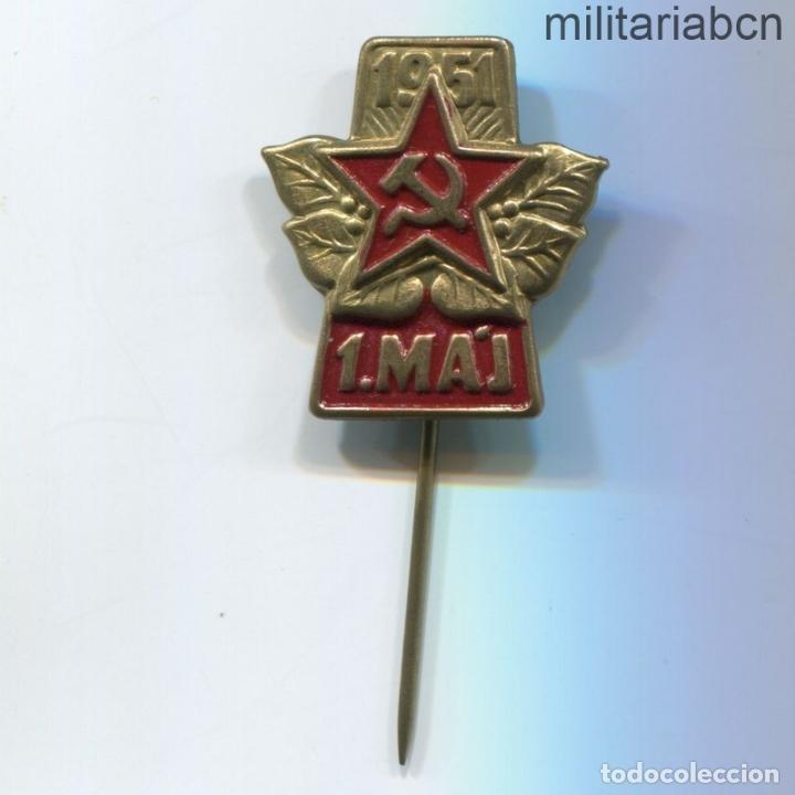 REPÚBLICA SOCIALISTA DE CHECOSLOVAQUIA. INSIGNIA DE SOLAPA DEL 1º DE MAYO DE 1951. (Militar - Insignias Militares Internacionales y Pins)