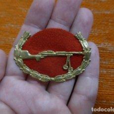 Militaria: ANTIGUO EMBLEMA DE AMETRALLADORA REPUBLICANA, ORIGINAL, GUERRA CIVIL.. Lote 270644338
