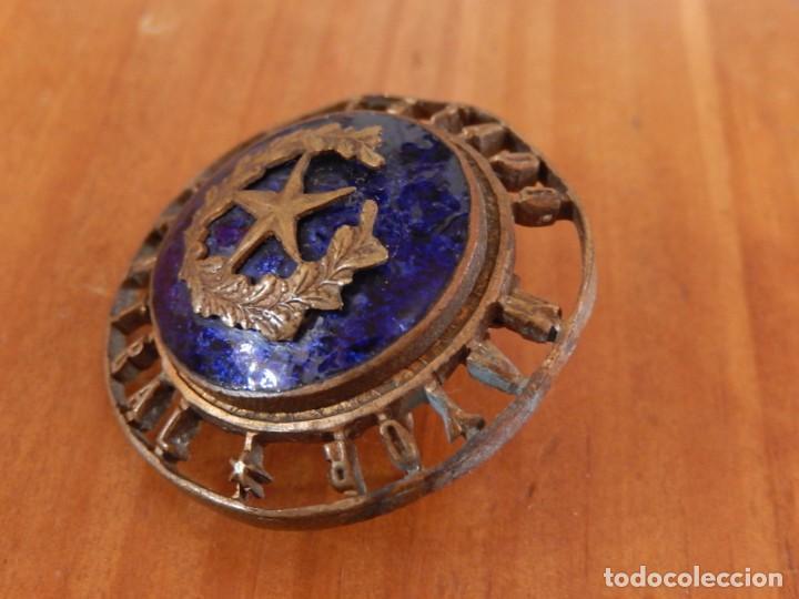Militaria: Distintivo del Estado Mayor Central. Época de Franco. Numerado. - Foto 3 - 275900488