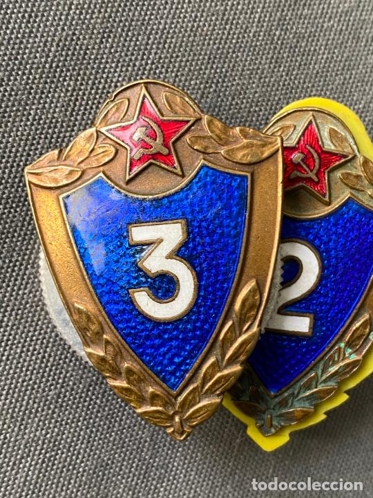 Militaria: SOVIET ARMY BREAST BADGES 3 rd. Y 2 rd. CLASS . SPECIALIST USSR MILITARY RANK BADGES - Foto 2 - 277463773