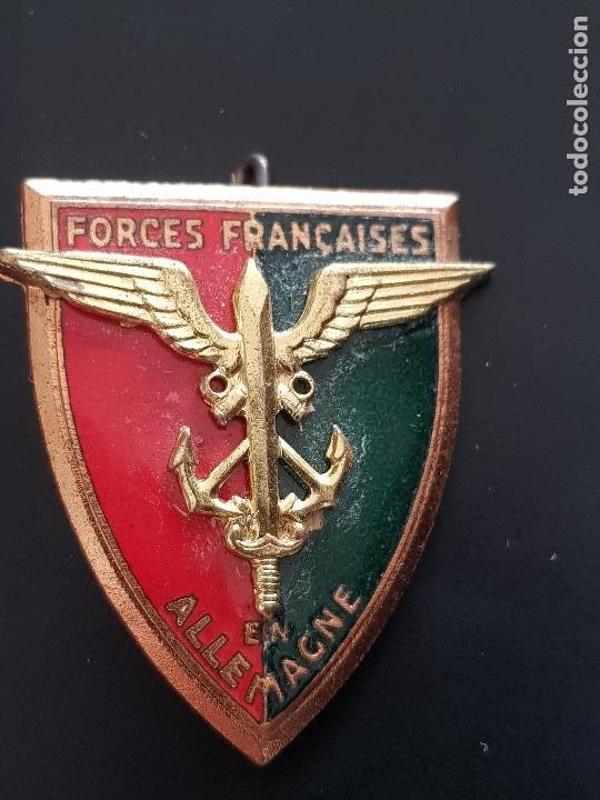 FORCES FRANCAISES EN ALLEMAGNE (Militar - Insignias Militares Internacionales y Pins)