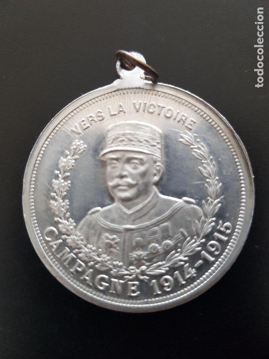 VERS LA VICTORIE CAMPAGNE 1914-1915 (Militar - Insignias Militares Internacionales y Pins)