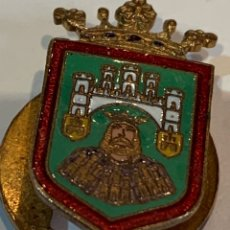 Militaria: PIN DE OJAL ESMALTADO DE BURGOS - FABRICANTE EUSTAQUIO VILLANUEVA -. Lote 280395908