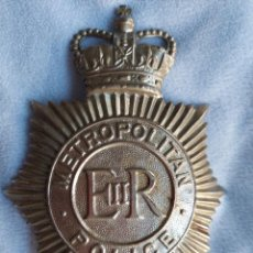 Militaria: INSIGNIA DE CASCO DE BOBBY BRITANICO. METROPOLITAN POLICE. GRAN TAMAÑO. POLICIA DE LONDRES.. Lote 288466248
