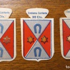 Militaria: 3 EMBLEMAS AUXILIO SOCIAL, SERIE B, Nº 46, FERRANDO, VARIANTE DE COLOR.. Lote 292300628