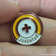 Militaria: PIN OJAL JUVENTUD ESPAÑOLA CRUZ ROJA. Lote 293859723