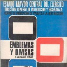Militaria: EMBLEMAS Y DIVISAS DE LAS FUERZAS ARMADAS (CON 29 DIAP). Lote 27193329