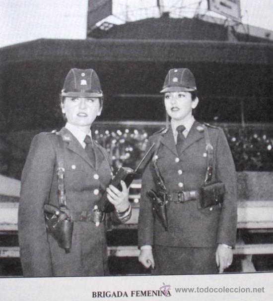 Militaria: HISTORIA DE LA POLICIA CARABINEROS DE CHILE BIOGRAFIA INSTITUCIONAL 1927 1986 ILUSTRADO UNIFORMES - Foto 4 - 36273523