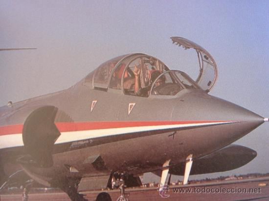 Militaria: JANE'S HISTORIC MILITARY AIRCRAFT RECOGNITION GUIDE AVIACIÓN EJÉRCITO DEL AIRE SAETA BOEING MUSTANG - Foto 2 - 38487600