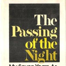 Militaria: THE PASSING OF THE NIGHT 7 AÑOS PRISIONERO EN VIETNAM,FIRMA DEL AUTOR,RARO. Lote 41384571