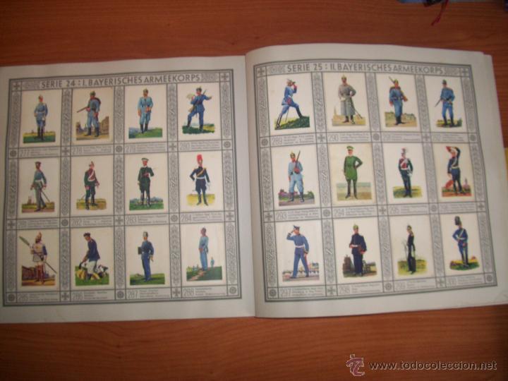 Militaria: COLECCIONISTAS: ANTIGUO ALBUM UNIFORMEN DER ALTEN ARMEE - WALDORF ASTORIA - Foto 3 - 45661612