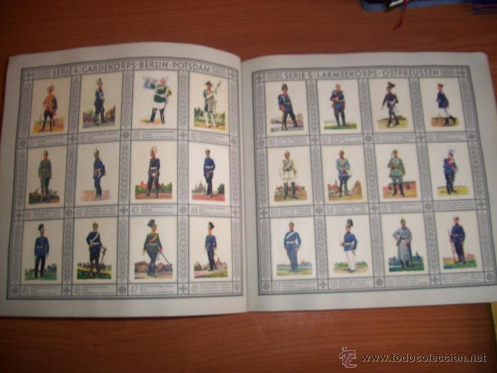Militaria: COLECCIONISTAS: ANTIGUO ALBUM UNIFORMEN DER ALTEN ARMEE - WALDORF ASTORIA - Foto 4 - 45661612