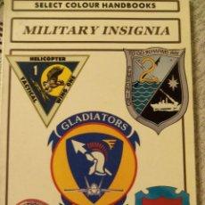 Militaria: MILITARY INSIGNIA - SLECT COLOUR HANDBOOKS - BY DEREK AVERY - 1995 - IDIOMA INGLES. Lote 46778781