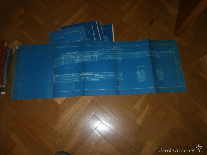 Militaria: Fusil Mauser español modelo 1983 11 láminas cartulina blanca fondo azul dibujos en blanco 97 x 32 cm - Foto 2 - 57198543