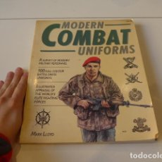 Militaria: ANTIGUO LIBRO CATALOGO DE UNIFORMES DE COMBATE. MODERN COMBAT UNIFORMS. Lote 72634731