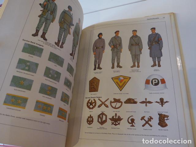 Militaria: Antiguo catalogo libro de uniformes del pacto de varsovia, uniforms warsaw pact. - Foto 2 - 72638515